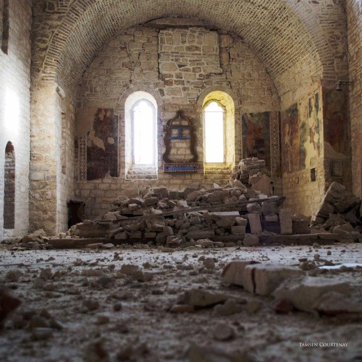 piobbico-abbey-damage-05