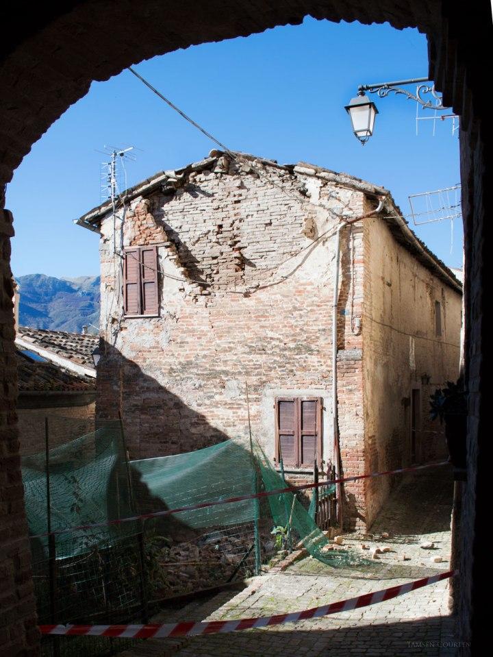 sarnano-house-damaged-wp
